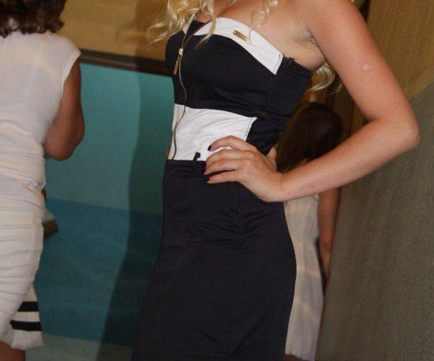 Платье с открытыми плечами. Фото 2. Тюмень.