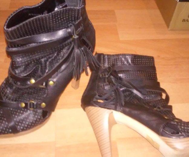 Обувь разная. Фото 1. Воронеж.
