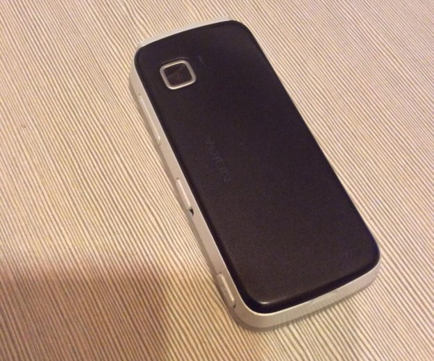Nokia 5230. Фото 3.