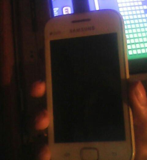Samsung galaxy duos. Фото 1.