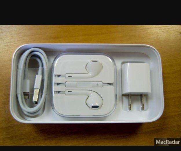 Коробка с комплектом от iphone 5c. Фото 4. Балаково.