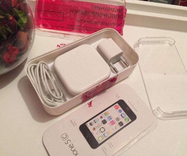 Коробка с комплектом от iphone 5c. Фото 2. Балаково.