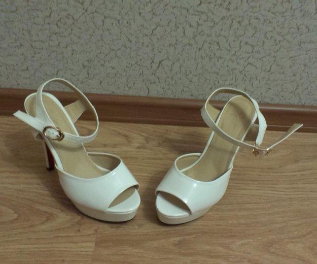 Белые туфли. Фото 1. Москва.