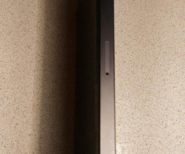 Iphone 5 s не включается , новый практически. Фото 2. Сочи.