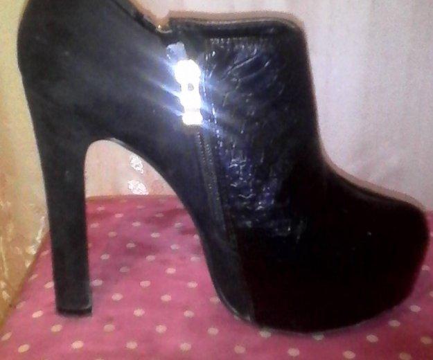 Туфли и босоножки. Фото 2. Рощинский.