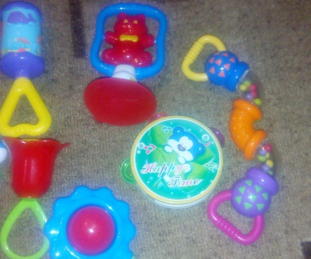 Игрушки для малышей. Фото 2.
