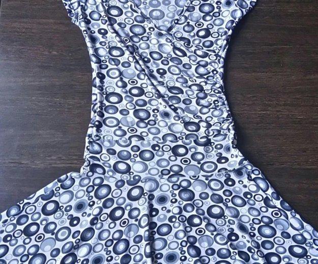 Платье универсального размера. Фото 1. Ухта.
