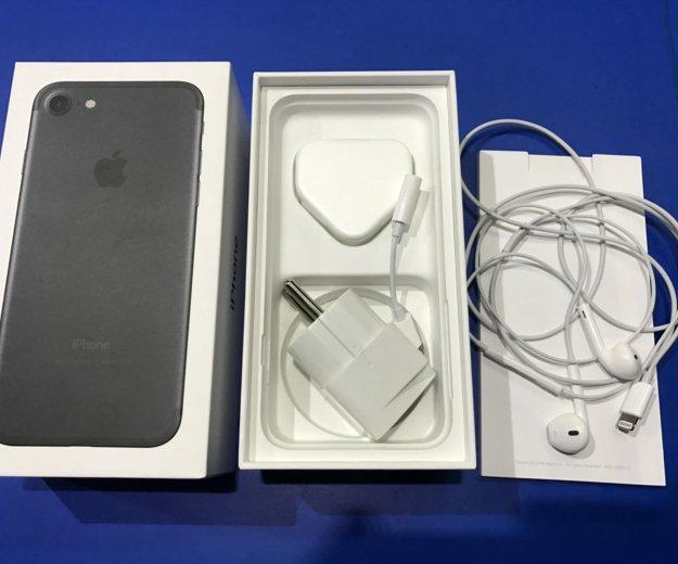 Iphone 7 на 32 гига. Фото 1.