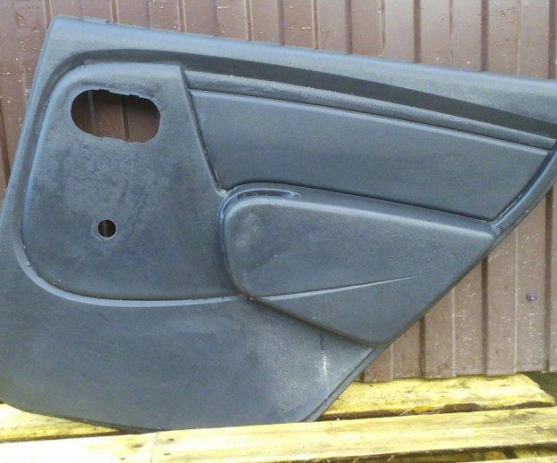 Задние обшивки дверей чёрные renault logan. Фото 1. Сыктывкар.