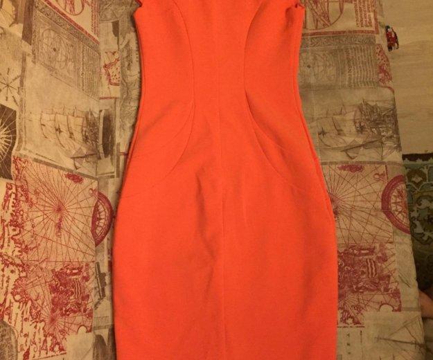 Оранжевое платье. Фото 2. Москва.