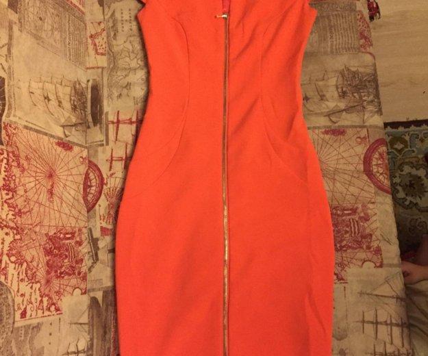 Оранжевое платье. Фото 1. Москва.