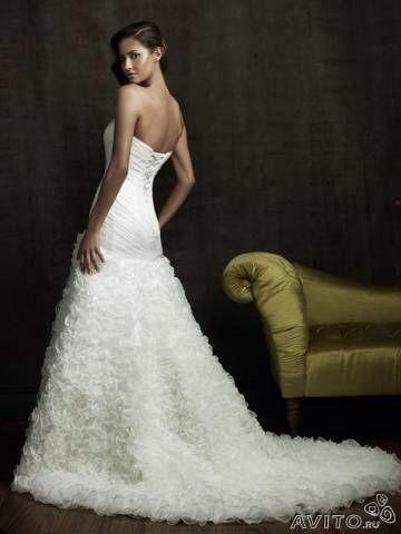 Свадебное платье со шлейфом. Фото 2. Санкт-Петербург.