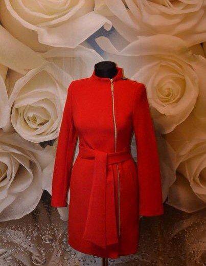Распродаю новые осенние пальто. закрыл магазин. Фото 1. Санкт-Петербург.