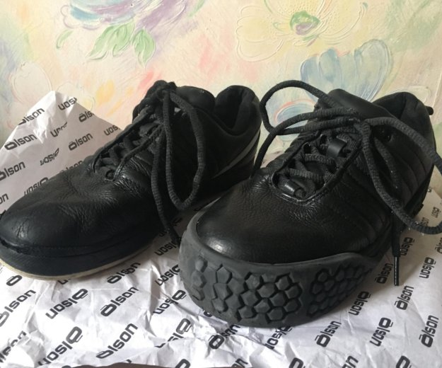 Ботинки для керлинга olson. Фото 2. Москва.