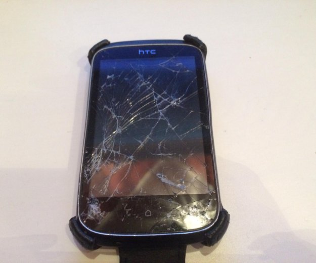 Телефон htc desire c. на запчасти. разбито стекло. Фото 4. Екатеринбург.
