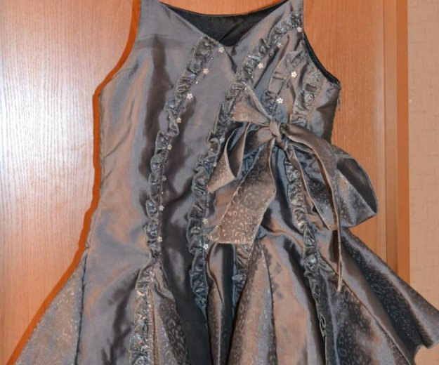 Платье на девочку. Фото 1. Калуга.
