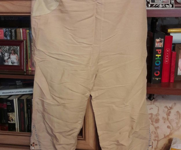 Джинсы,льняные брюки и капри. Фото 1. Санкт-Петербург.