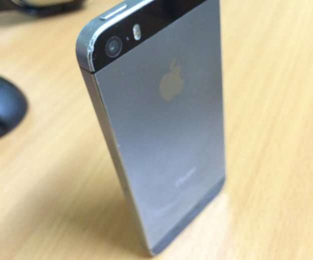 Iphone 5s 16gb space gray (серый) + чехол. Фото 3. Архангельск.