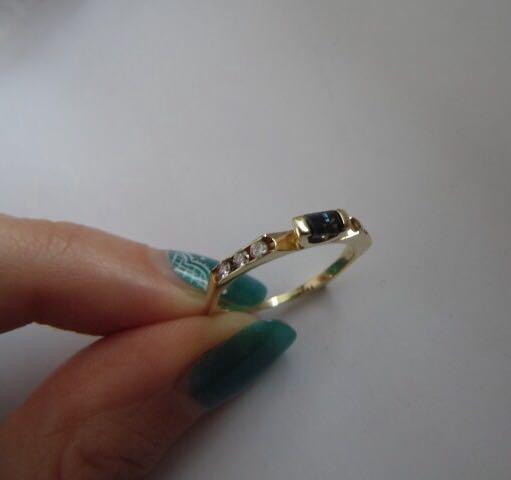 Новое золотое кольцо с сапфиром и брил. 585 пр. Фото 1. Москва.