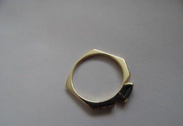 Новое золотое кольцо с сапфиром и брил. 585 пр. Фото 2. Москва.