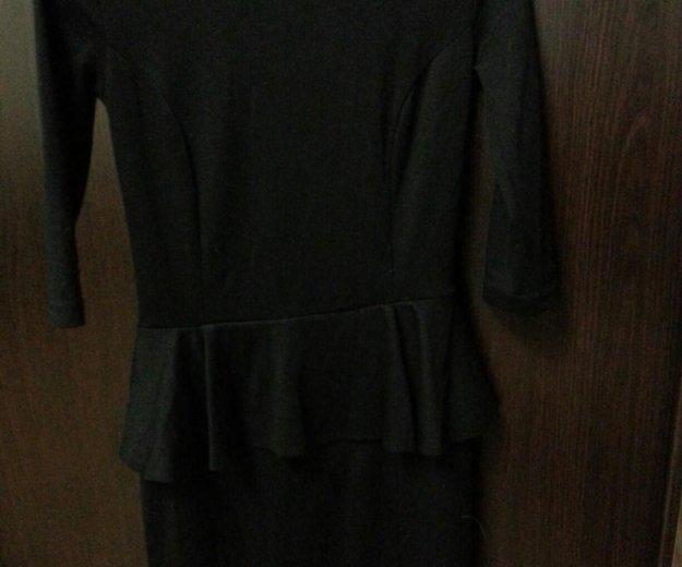 Платье мини с баской. надевала два раза. размер 44. Фото 1. Ростов-на-Дону.