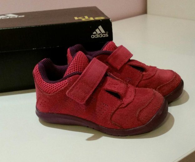 Кроссовки adidas. Фото 1. Волгоград.