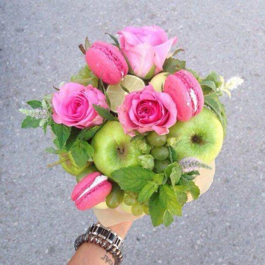 Букеты из фруктов и цветов. съедобные букеты. Фото 2. Пермь.