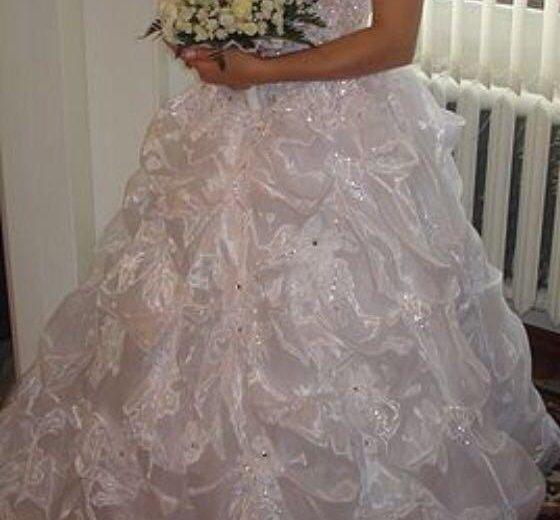 Свадебное платье. Фото 1. Истра.