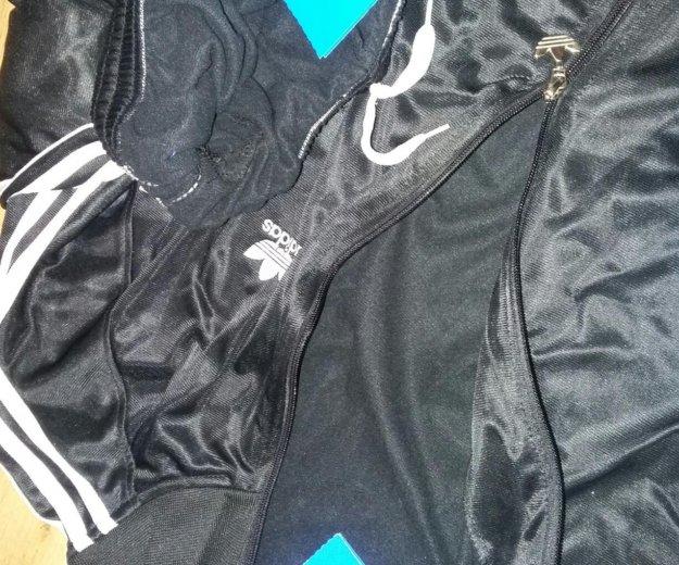 Костюм adidas новый. Фото 2. Астрахань.
