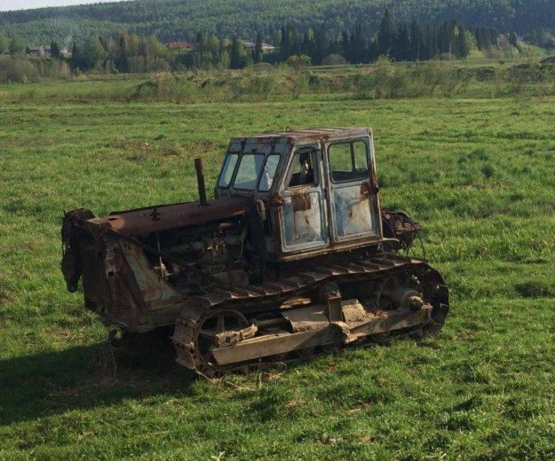 Трактор бульдозер. Фото 1.
