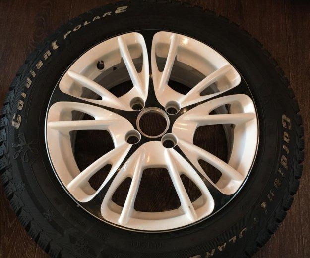 Литьё кик на 15 (4 на 100) и шины шипы 185/65/15. Фото 1.