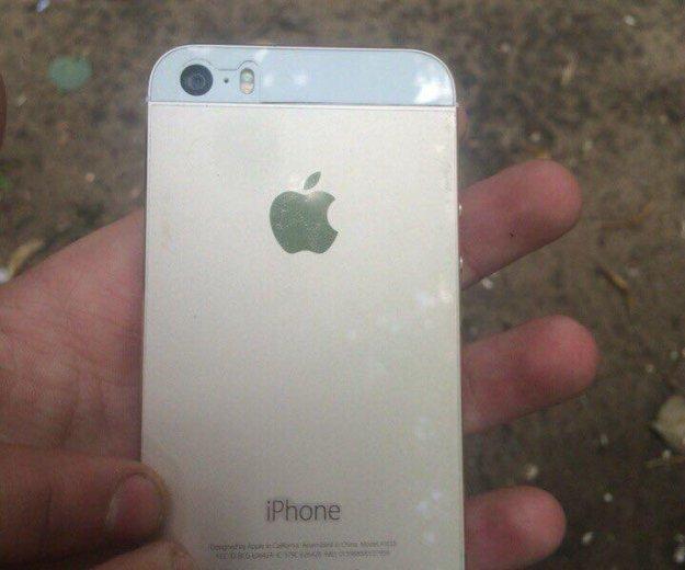 Iphone 5. Фото 3.