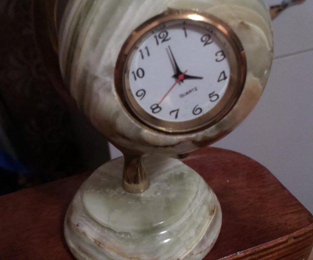 Часы из оникса. Фото 1. Кострома.