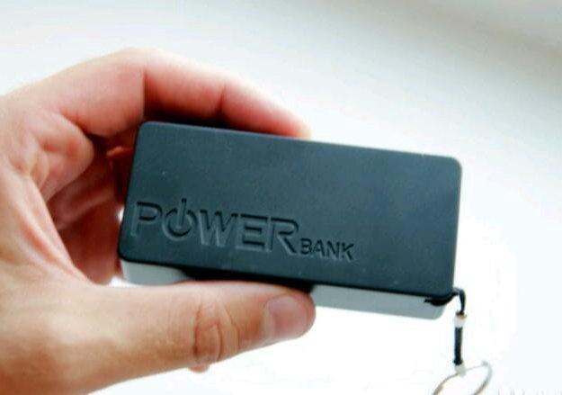 Внешний аккумулятор power bank 4000 mah. Фото 1.