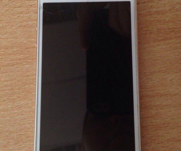 Iphone 5s gold. Фото 4.
