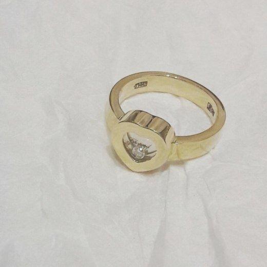 Новое золотое кольцо chopard 6 гр брилл. Фото 1. Москва.