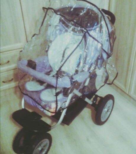 Коляска для детей от года до трёх лет. Фото 1.
