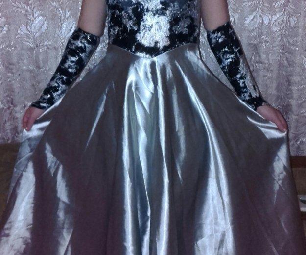 Вечернее платье. Фото 1. Полярный.