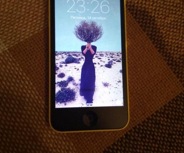 Iphone 5c. Фото 2.