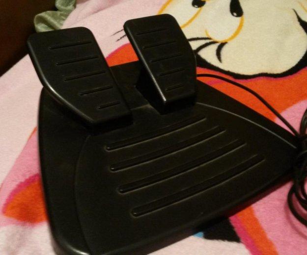 Руль и педали для видео игр. Фото 4.