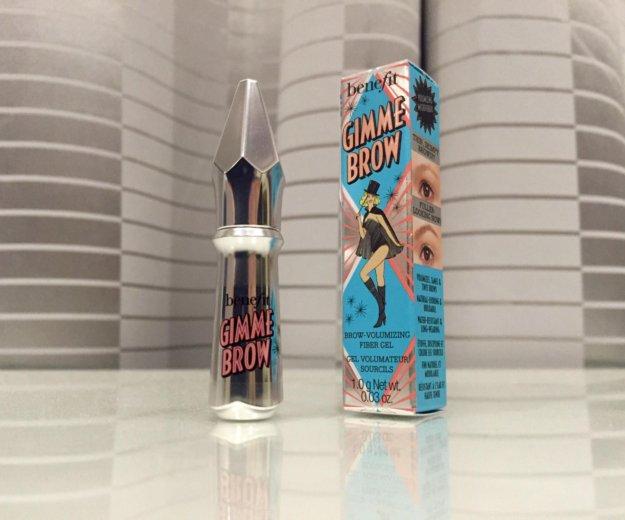 Benefit гель-фибра для объема бровей gimme brow. Фото 1.