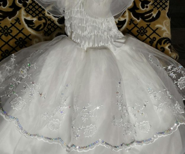Платье для девочки 3-4 лет. Фото 2. Нефтеюганск.
