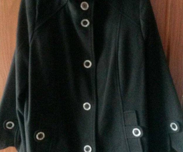Пальто-кашемировое 56 размер , в отличном состояни. Фото 2. Владимир.