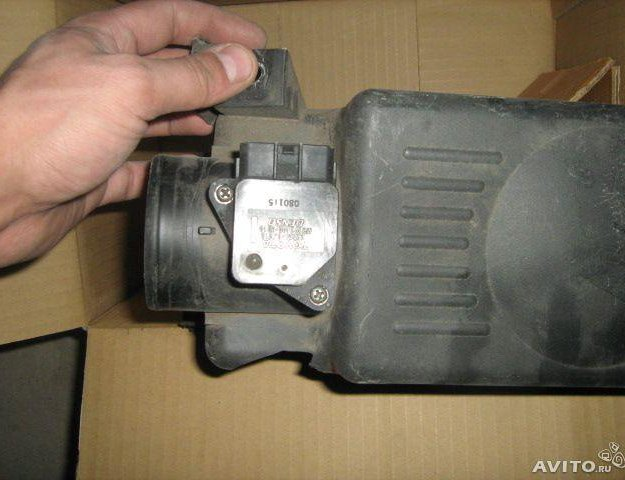 Toyota avensis датчик расхода воздуха. Фото 1. Сыктывкар.