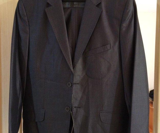 Стильный мужской костюм. Фото 1.
