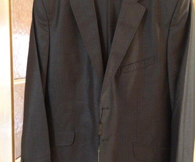 Элегантный мужской костюм. Фото 1.
