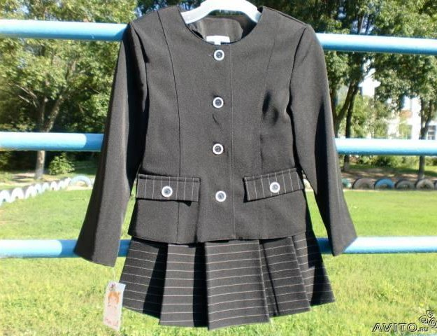 Костюм (пиджак+ юбка), все размеры, на рост 128-15. Фото 1. Москва.