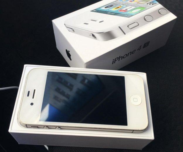 Iphone 4s 16gb. Фото 1. Красненькая.