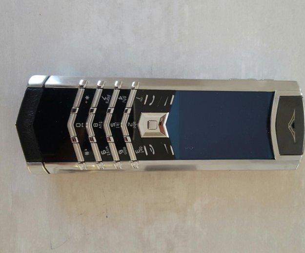 Телефон vertu. Фото 1.