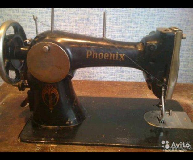 Ножная швейная машинка, со столом и станиной. Фото 1. Красногорск.